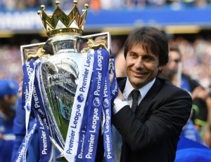 Antonio Conte lifts 2016-17 Premier League trophy